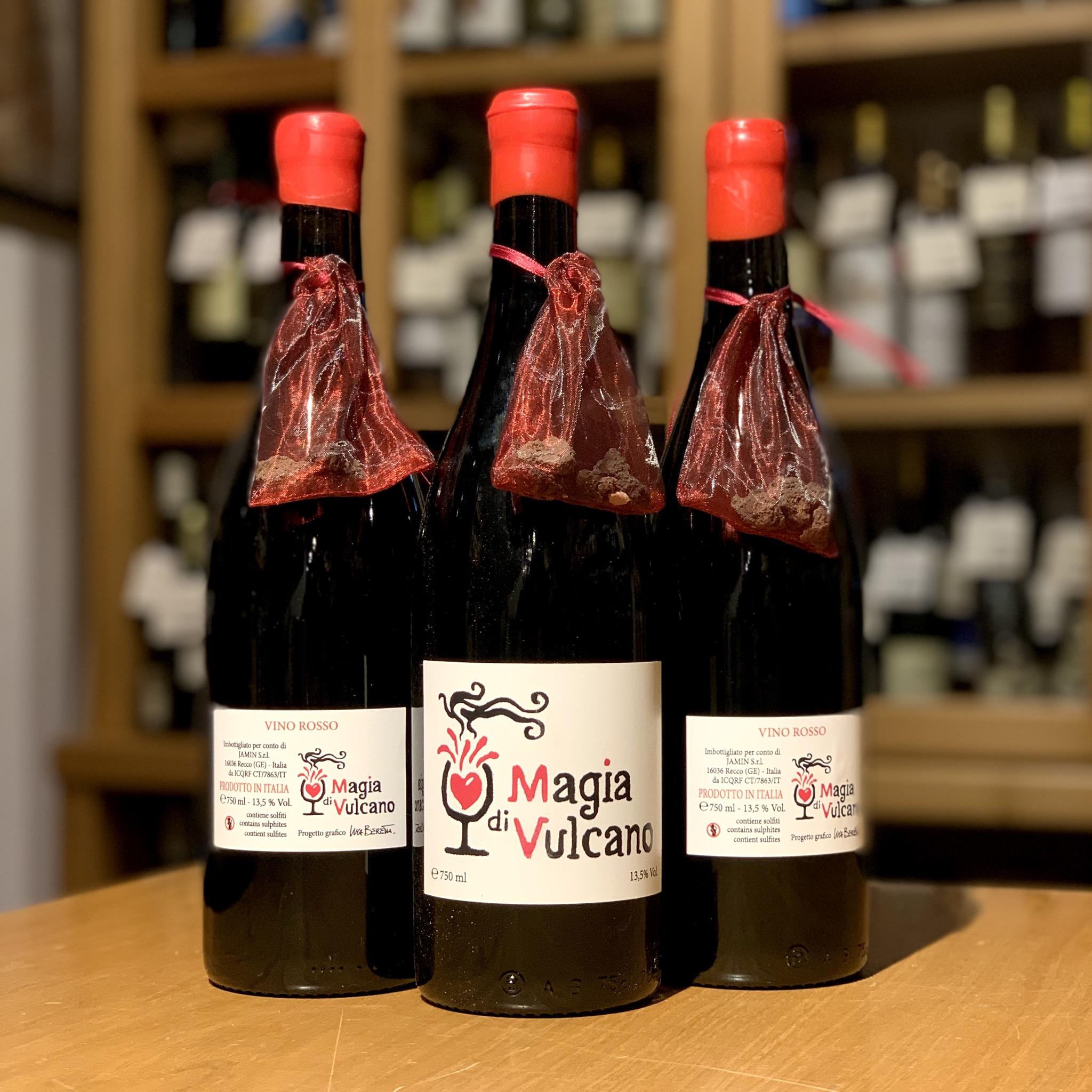 Magia di Vulcano, Vino Rosso da Nerello Mascalese